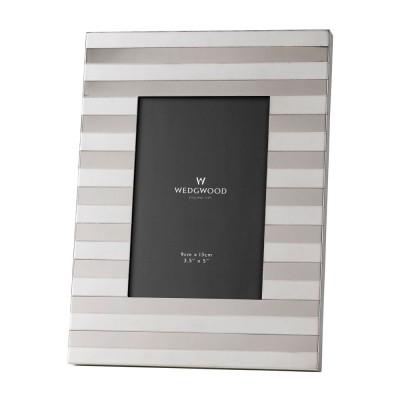 """Wedgwood Intaglio Silver Frame 3.5"""" x 5"""" (9cm x 12.5cm)"""